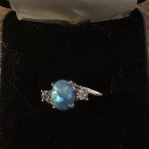 NEW ring, size 7 gorgeous colours as shown in pics